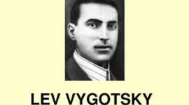 Teoría Sociocultural: Lev Vygotsky timeline