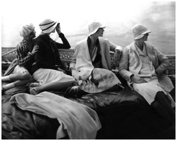 The Famous American Photographer Edward Steichen Became Chief For Conde Nast Publications He Shot Fashion Photographs And Portraits Of