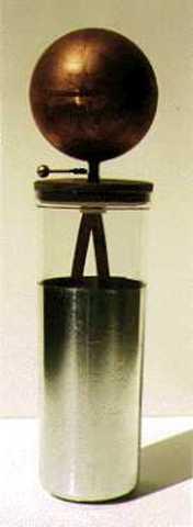 Primer condensador