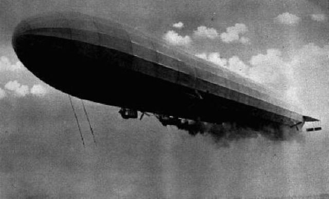Le premier attaque aérienne sur la Grande Bretagne