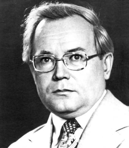 Стал идейным руководителем и неформальным главой большого и активно работающего содружества новосибирских программистов.