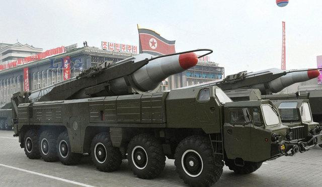 Corea del Norte emplazó dos misiles en la costa este