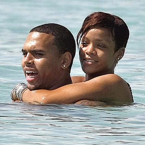 RIhanna and Chris Brown started dating