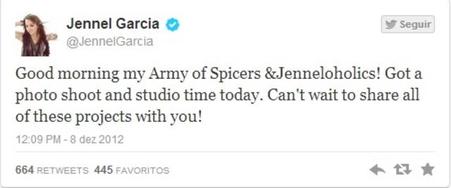 """""""Bom dia meu exército de Spicers e Jenneloholics! Tenho uma sessão de fotos e estúdio hoje. Mal posso esperar para compartilhar todos esses projetos com vocês"""""""