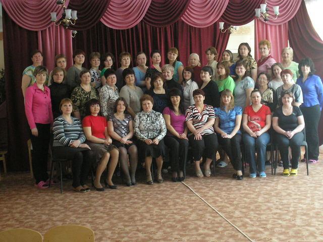 Коллектив сотрудников МДОУ №1 «Родничок» 2011 год