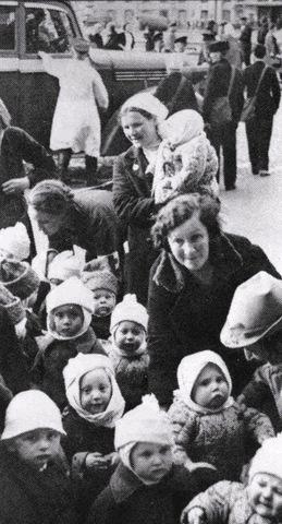 Эвакуация из Ленинграда.