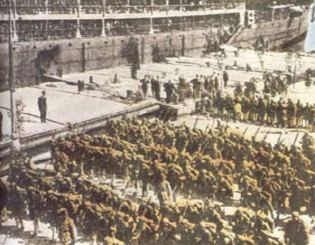 Greek soldiers invaded Turkey and threatened to conquer it.
