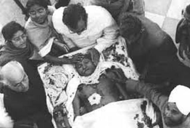 Gandhi gets killed