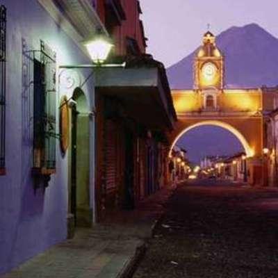 Clasificación de periodos de la Arquitectura Hispano Guatemalteca y algunos datos personales timeline