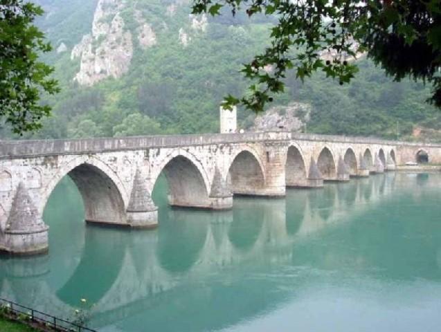 primer puente terrestre del mundo