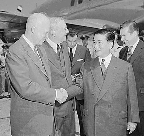 Vietcong begin attacks on Diem government