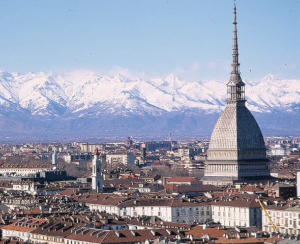 Edgard moves to Turin, Italy