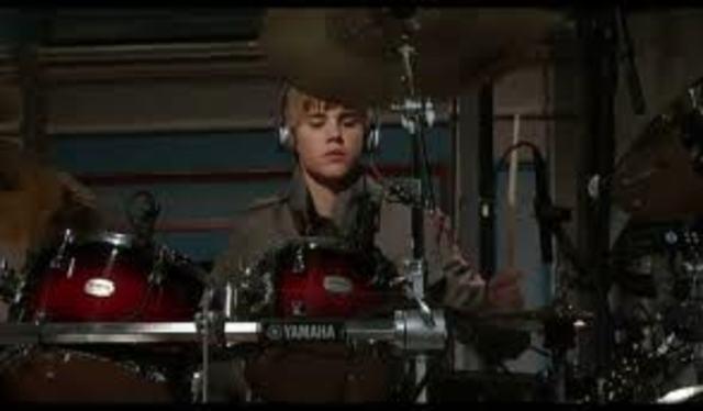 justin bieber recieves his first drum set