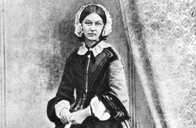 Florence Nightingale comienza estudios
