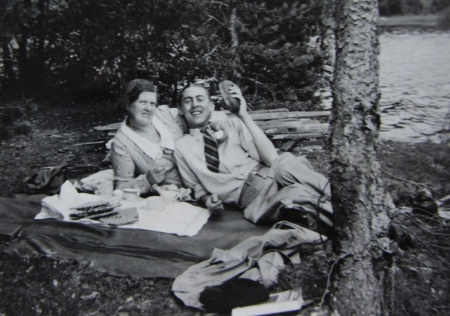 Harald on a picnic with his mother