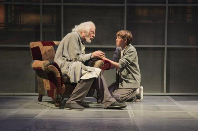 Jonas receives a painful memory from The Giver. For the first time he feels physical pain