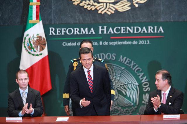 Presenta Peña Nieto iniciativa de reforma fiscal