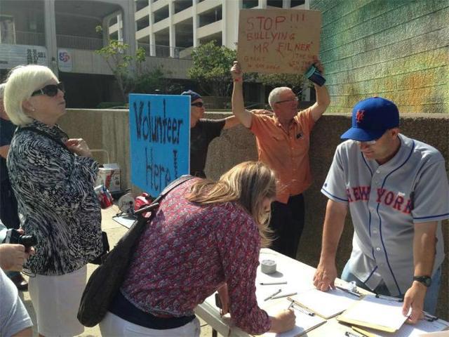Inicia movimiento para destituir al alcalde
