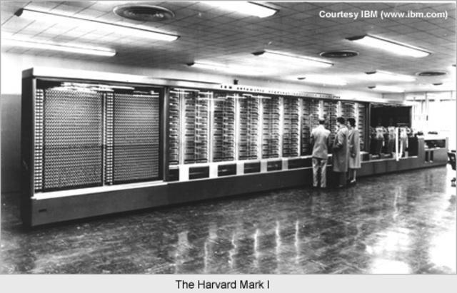 Howard Aiken & Grace HopperHarvard Mark I Computer