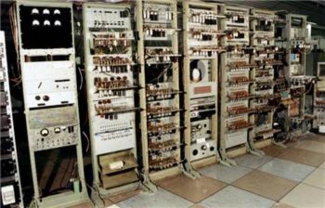 Frederic Williams & Tom KilburnManchester Baby Computer & The Williams Tube