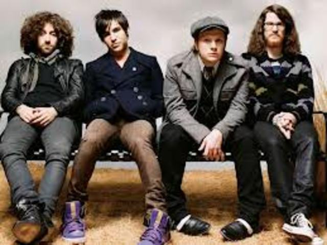 Fall Out Boy Gets back together