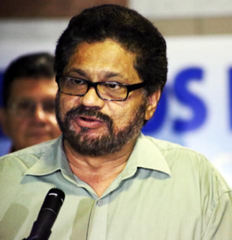 Breve entrevista de la Cadena Radial Bolivariana CRB, Voz de la Resistencia con Iván Márquez, Jefe de la Delegación de Paz de las FARC-EP.