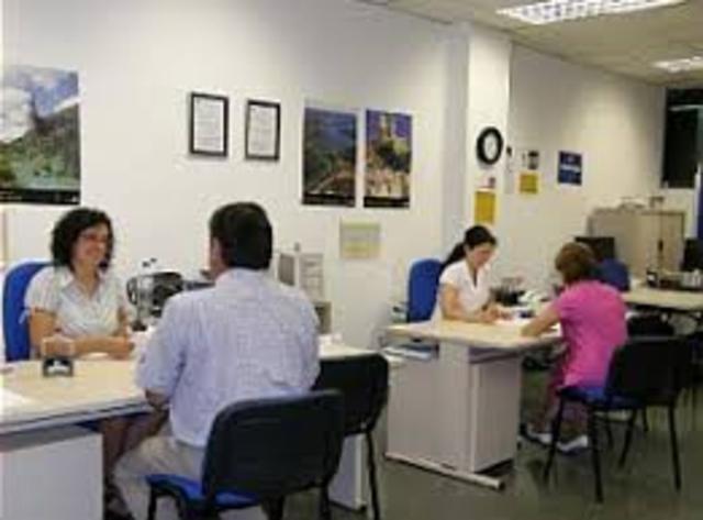 D204/1995 Medidas Organizativas servicios administrativos de atención directa a los ciudadanos Andalucía