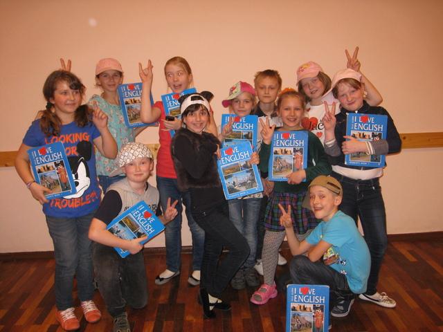 Участие вокального ансамбля 3-х классов в Горродском театральном конкурсе
