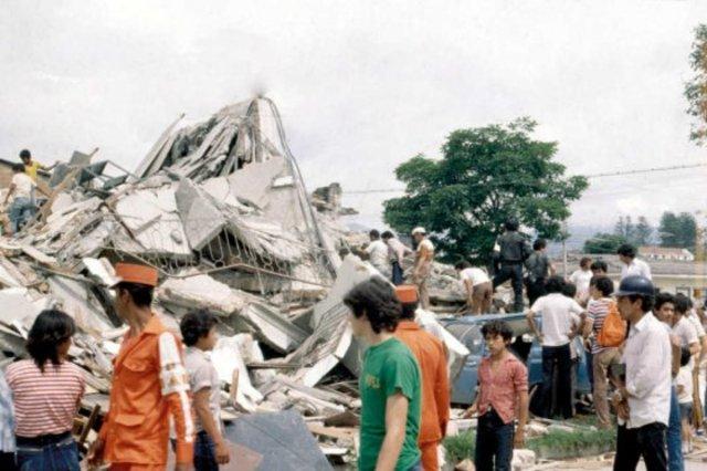 la ciudad de Popayán es destruida por un fuerte movimiento telúrico