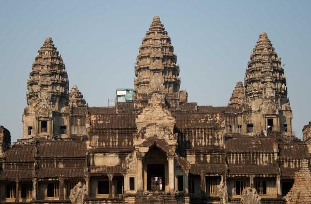 The Thai invades Angkor.