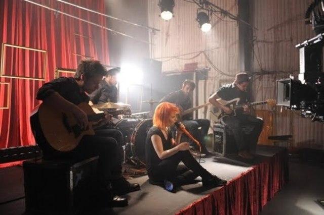Lanzamiento del tercer sencillo de su tercer álbum: The Only Esception