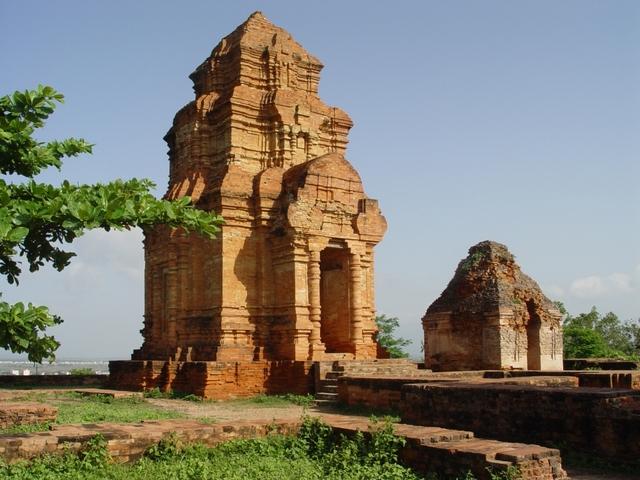 Rudravarman of Funan dies
