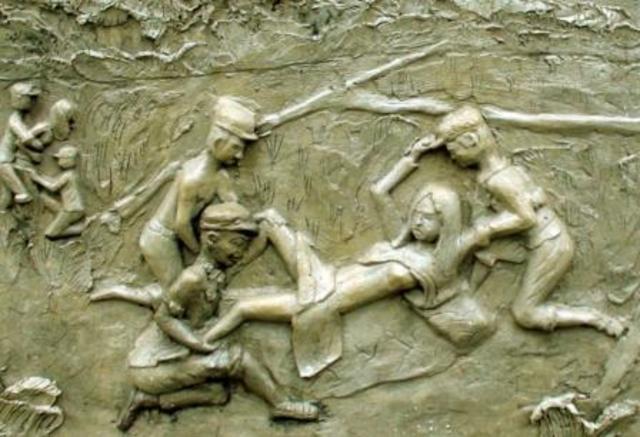Civil War is fought between Jayaviravarman and Suryavarman.
