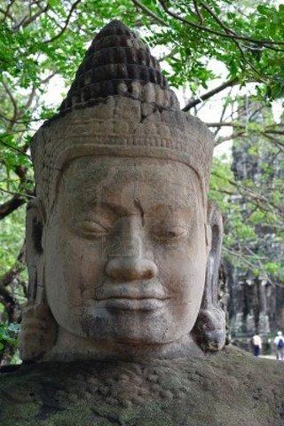 Jayavarman VIII reigns.