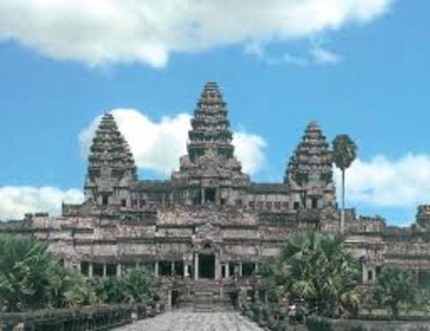 Khmer rulers relocate the capital to Phnom Penh