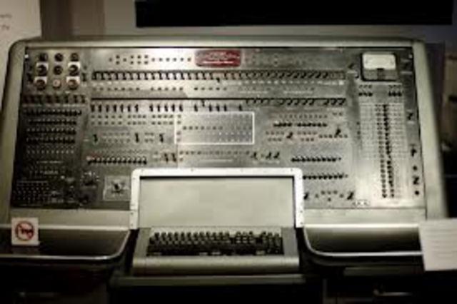 Первый образец UNIAC-1