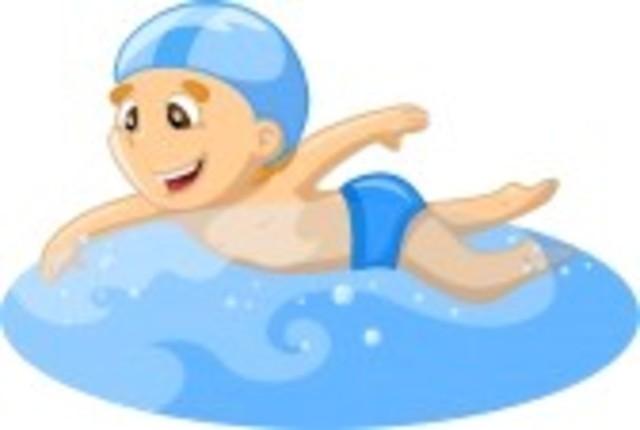 Empieza a nadar sin ayuda de nadie.