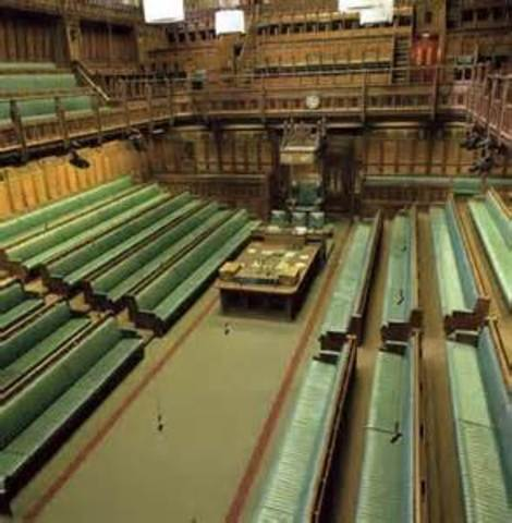 The House of Commons passes the Triennial Act