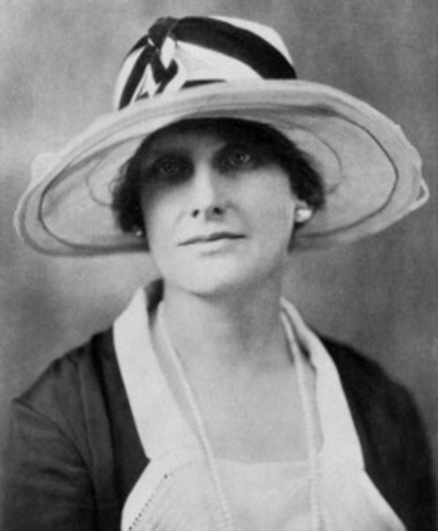 Nellie Tayloe Ross Becomes the First Woman Governor