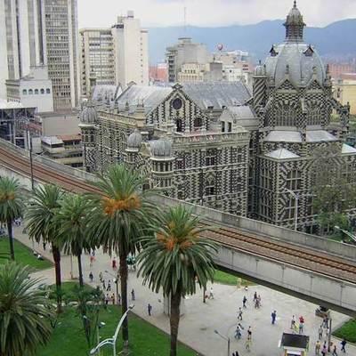 Desarrollo del Diseño en Colombia durante el siglo XX timeline