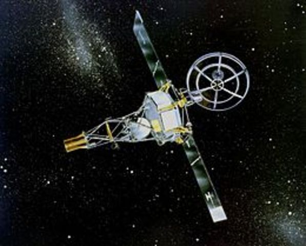 First space craft to fly pst venus