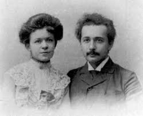 Einstein get's married