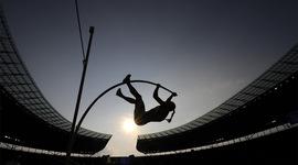 Прыжки с шестом: как высоко улетели за 100 лет timeline