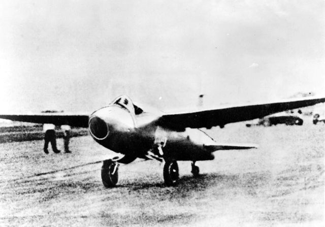 The first jet takes off (Heinkel HE 178)