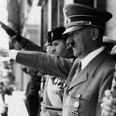 Hitler seizes power 1918 - 1932 timeline