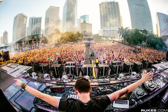 Pincha en el festival más importante de América, Ultra Music Festival en Miami.