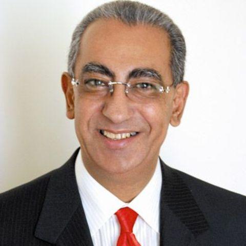 Carlos Roberto Flores