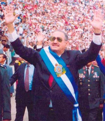 Ex presidente Carlos Reina