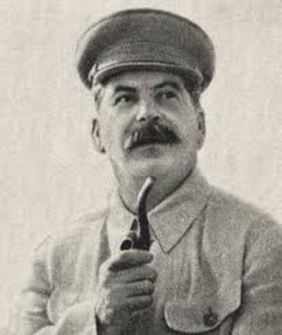 Stalin's rule in the USSR begins