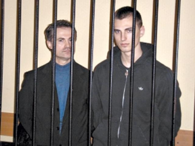 Депутати випустили Павличенків на волю